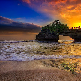 Sun set batu bolong by Ipin Utoyo - Landscapes Sunsets & Sunrises