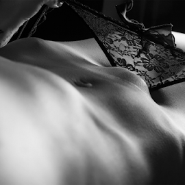 Intime Shapes by Carlos Rodrigues - Nudes & Boudoir Artistic Nude