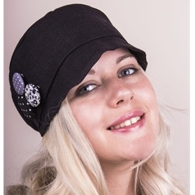 Silk soft hat in black with button corsage