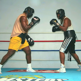 Heavyweight Friday Ahunanya sparring/ by Stephen Jones - Sports & Fitness Boxing