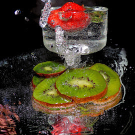 KIWI AND STRAWBERRY by LADOCKi Elvira - Food & Drink Fruits & Vegetables ( kiwi )