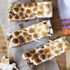 S'mores Krispies Bars and a Sweet S'more's Recipe Round-Up