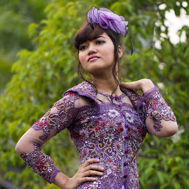 The Kebaya by Syahid Kesuma - People Fashion ( kebaya ungu, smile model, dress, violet, kebaya,  )