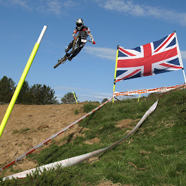 Flying the flag by Turnip Towers - Sports & Fitness Cycling