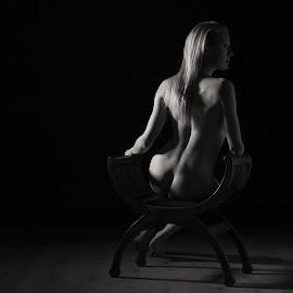 Katy - studio nude by Barrie Spence - Nudes & Boudoir Artistic Nude ( studio, blonde, art nude, monochome, nude, b&w, pavilion photographic studio, black and white, blonde hair, female nude, studio nude )