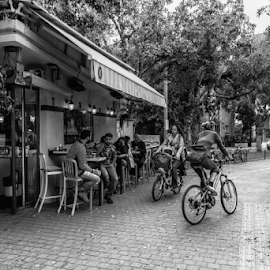 Life Style by Robert Namer - Transportation Bicycles ( bicycles, blackandwhite, streetphotography, peoples, black and white, street scene, bar, kiosk, black, street photography )