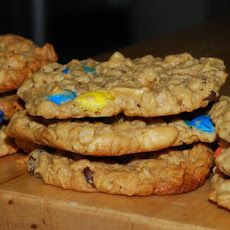 Oats and Peanut Butter Giant Cookies