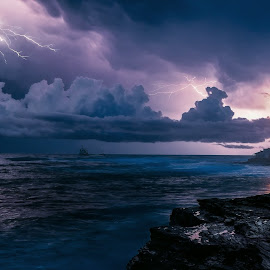 Crimea. Tarhankut. lightning by Александр Науменко - Landscapes Waterscapes ( shore, cape, change, stone, tarhankut, coast, clear, olenevka, sky, village, weather, light, water, clouds, south region, waves, lighthouse, sea, reference, crimea, ukraine, navigation, south, summer, day )