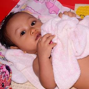 Play with towel..after bath by Dwi Ratna Miranti - Babies & Children Children Candids