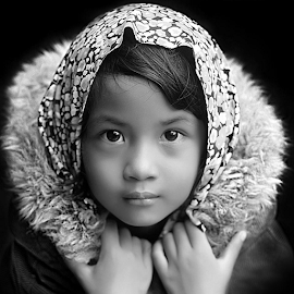by Yudi Prabowo - Black & White Portraits & People ( woman, b&w, portrait, person,  )