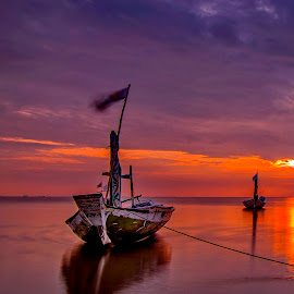 ordinary... by Andy Bagus - Transportation Boats