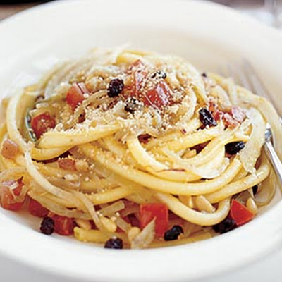 Pasta with Anchovies, Currants, Fennel, and Pine Nuts