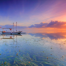 The Jukung 2 - Sunrise by Sunan Tara - Landscapes Sunsets & Sunrises ( water, bali, stone beach, breakwater, sunset, sanur, land, seascape, sunrise, landscape, motion, sun )
