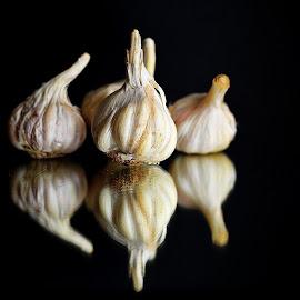 Garlic Pods by Prasanta Das - Food & Drink Ingredients ( reflection, garlic, pods )
