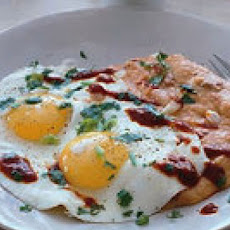 Fried Eggs with Chili Cheese Grits