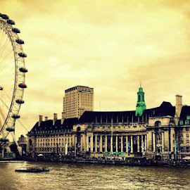 London Eye by Elson Kwon - Buildings & Architecture Public & Historical