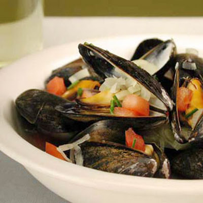 Mussels with Leeks, Fennel, and Tomatoes