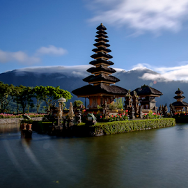 Ulundanu Temple by Ferdinand Ludo - Buildings & Architecture Places of Worship ( temple, bali, indonesia, ulundanu, lake )