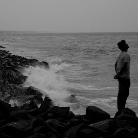 The lonely waves  by Himadri Distant Tide - Novices Only Landscapes ( black and white, b&w, landscape )