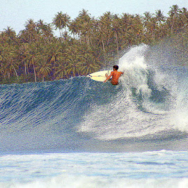 Making waves in Teluk Dalam, Nias by Leong Jeam Wong - Sports & Fitness Surfing ( indian ocean, surfing, waves, indonesia, teluk dalam, nias,  )