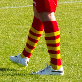 I can't help but think of Ronald McDonald when I see Carlton's socks! by Russ Pearce - Sports & Fitness Soccer/Association football
