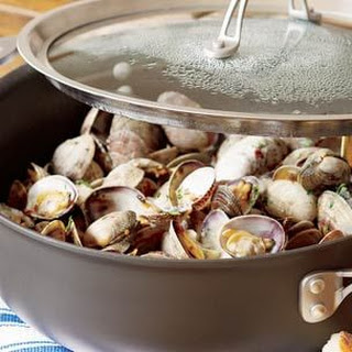 Clams in White Wine (Amêijoas à Bulhão Pato)