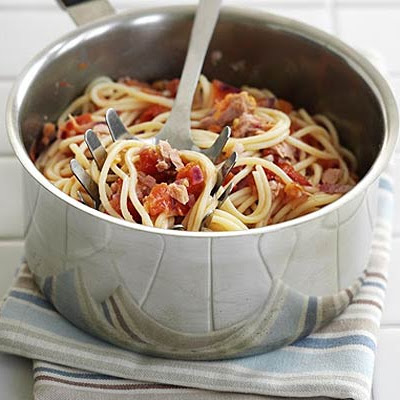 Spaghetti With Tomato, Chilli & Tuna Salsa