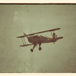 Bi plane by David Ferris - Transportation Airplanes