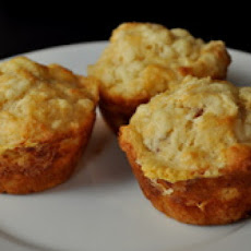 Spicy Bacon Cheddar Muffins