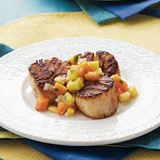 Chile-Crusted Scallops with Mango-Papaya Salsa