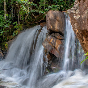 Cachoeira de Matilde, Alfredo Chaves, ES. by Francisco Andrade - Uncategorized All Uncategorized (  )