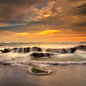 Mengening Beach by Eris Suhendra - Landscapes Sunsets & Sunrises ( bali, waterscape, sunsets, indonesia, beach, nikon, landscapes, longexposure )