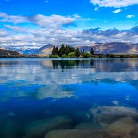 Lake Ruataniwha by Satyaki Hosmane - Landscapes Travel