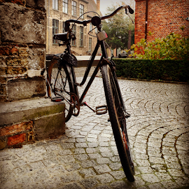 Bicycle in Bruges by Ludwig Wagner - Instagram & Mobile iPhone