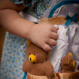 Goldie Locks and the Three Bears by Jaymie Jacobson - Babies & Children Hands & Feet (  )
