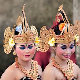 Dancers by Mihir Joshi - People Musicians & Entertainers ( bali, dancers, entertainers, entertainer, dancer )