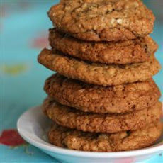 Plump Raisin Oatmeal Cookies