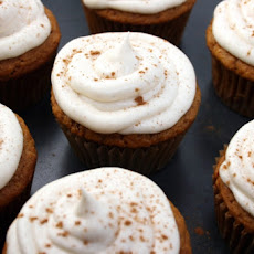 Pumpkin Cupcakes With Creamy Cream Cheese Frosting
