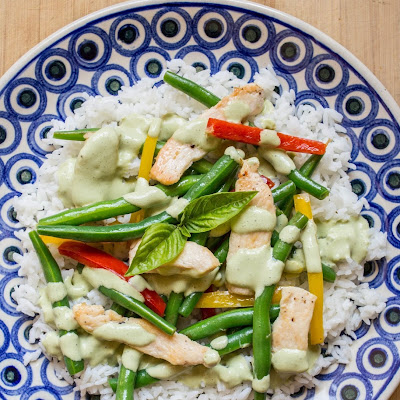 Chicken and Green Bean Stir-Fry with Basil-Sour Cream Sauce