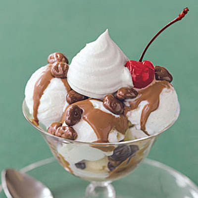 Raisin Sundaes with Chocolate-Peanut Butter Sauce