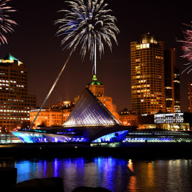 Milwaukee fire works by Jay Anderson - Buildings & Architecture Office Buildings & Hotels ( milwaukee, vacation, art, lake, hd, fire, city, works,  )