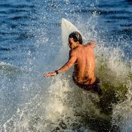 Surfing by Jose Augusto Belmont - Sports & Fitness Surfing ( praia, niterói, surfista, itapuca, beach, surf, surfers, brasil )