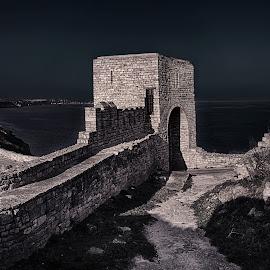 Cape Kaliakra by Малък Сечко - Buildings & Architecture Public & Historical ( b&w, landscape, kaliakra, gate, bulgaria )