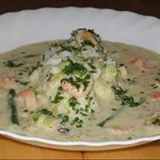 Creamy Fish Topped With Mussels and Prawns