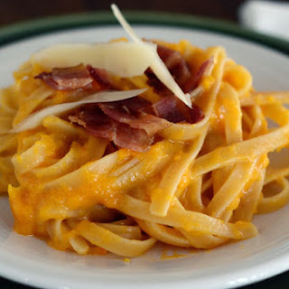 Cheesy Butternut Squash Pasta with Bacon