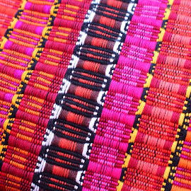 Hilado Guatemalteco by Erick Castro Alvarado - Abstract Patterns ( hilar )