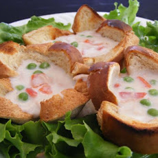 Creamed Tuna in Toast Cups