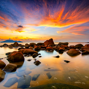 Sky Wings by Hendri Suhandi - Landscapes Sunsets & Sunrises ( clouds, sunset, beach, singkawang, borneo )