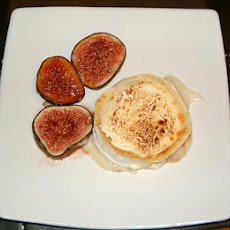 Grilled Goats Cheese With Fresh Figs