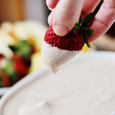 Fresh Fruit with Honey-Yogurt Dip